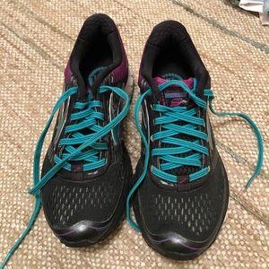 Brooks women's sneakers
